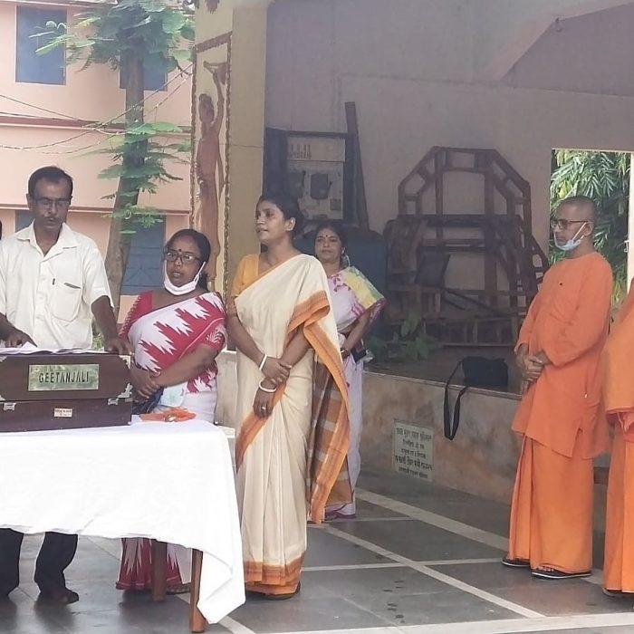 Brikhoropon Utsav at Sri Ramakrishna Sishu Vidyapith - Ramakrishna Math, Bolpur (3)