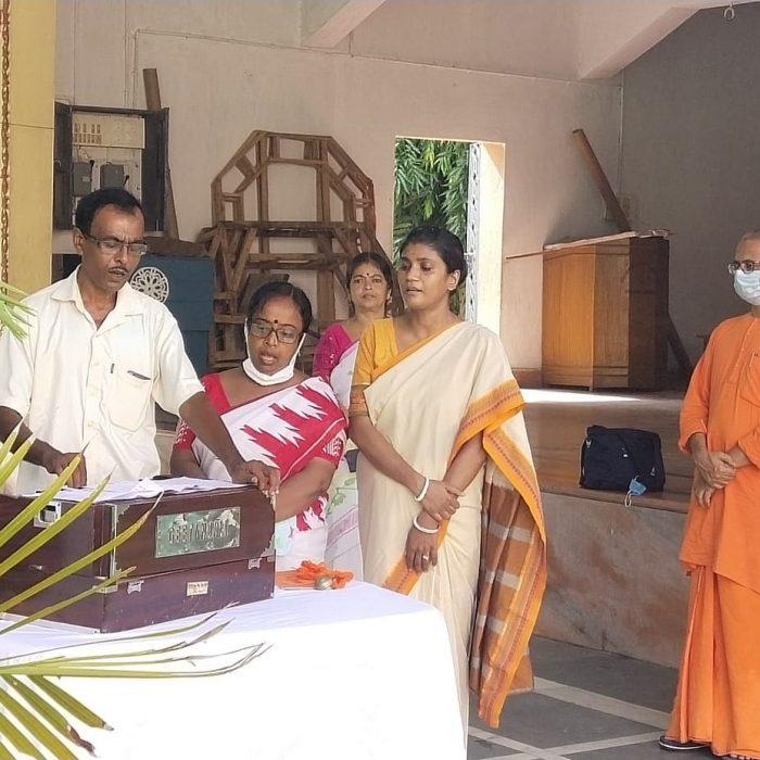 Brikhoropon Utsav at Sri Ramakrishna Sishu Vidyapith - Ramakrishna Math, Bolpur (6)